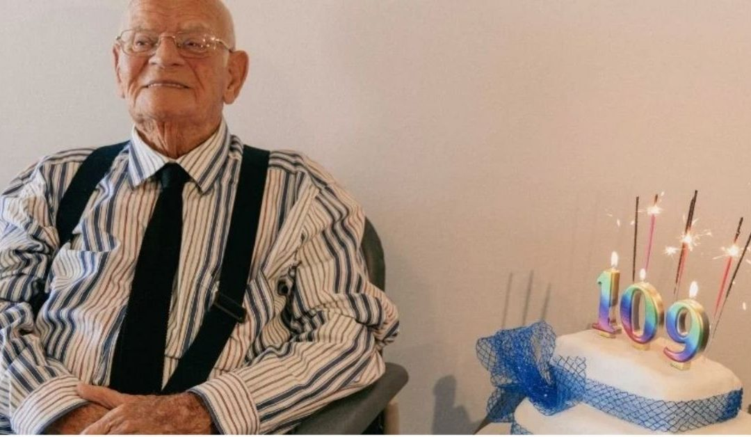 Australia's Oldest Man Celebrates His 109th Birthday – On Zoom!